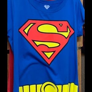 Superman Plus Size T-shirt W/ Removable Cape